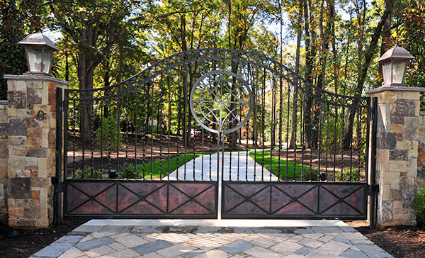 Driveway Gates Entrance Gates Heirloom Stair Amp Iron
