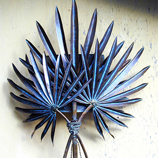 Triple Frond Palm Sconce