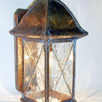Walkway Lantern with Lower End Open and Cross Grid